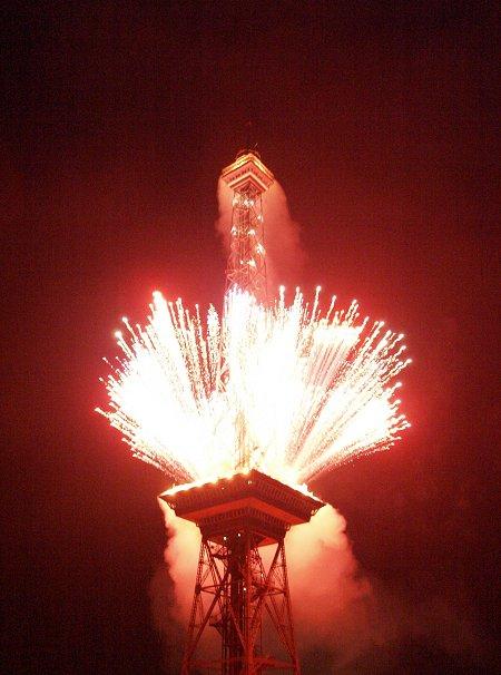 IFA2007Berlin-Funkturmfeuerwerk6-wdroth