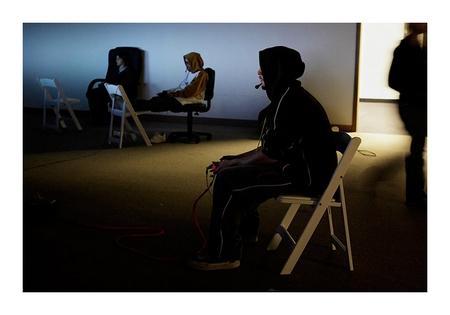 Videospieler in der Einsamkeit einer LAN-Party