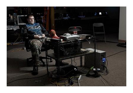 Der Spieler an der LAN-Party - die Chips liegen bereit