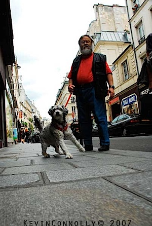 Kevin Conolly: Mann und Hund in Paris