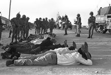David Rubinger: Israelische Soldaten bewachen Gefangene im Sechstage-Krieg im Gaza-Streifen, 1967 (Keystone / David Rubinger)