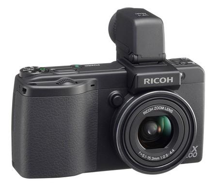 Die Ricoh GX200: Kompaktkamera mit Winkel-Sucher, RAW-Funktionalität und 12 Megapixeln.