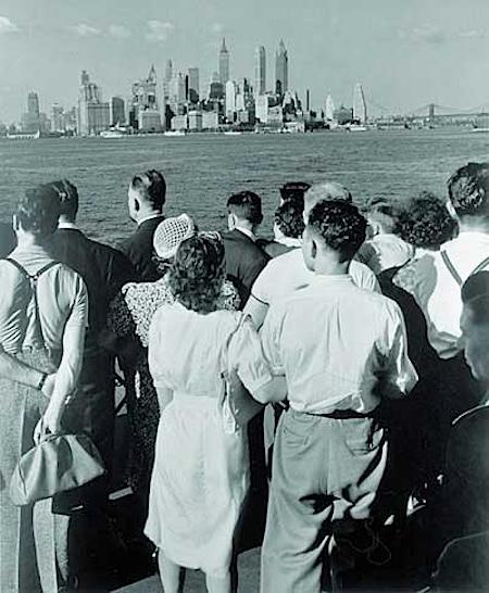 Andreas Feininger: Auf der Fähre von New Jersey nach New York, 1940 Copyright aller Bilder: AndreasFeiningerArchive.com