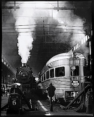 Andreas Feininger: Dearborn Station, Chicago, 1941