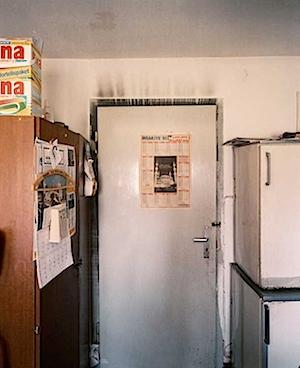 Eva Leitolf: Wohnraum nach dem Brandanschlag vom 20. April 1994, Bielefeld-Senne © alle Bilder: Eva Leitolf