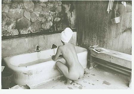 Ellen Auerbach: Schwefelbad, Big Sur, Kalifornien 1950-51 - Aus der Ausstellung: «All die Neuanfänge…«, Käthe Kollwitz Museum Köln, im Rahmen der «9. Photoszene Köln 2008 (c) Ellen Auerbach/ VG Bild-Kunst, Bonn 2008
