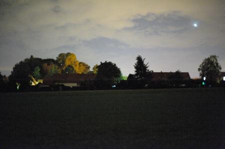 Dieselbe Szene ohne Autoscheinwerfer. Nikon D700 und Zeiss Planar T* 1,4/50 mm, 1:1,4, 1 s, ISO 25600. (Bild: W.D.Roth)