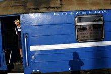 Schatten-Selbstporträt vor dem Schlafwagen des Direktzugs nach Minsk (© Jan Zappner 2008)