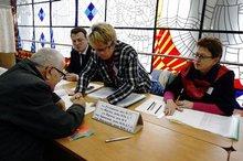 Registrierung im Wahllokal. (© 2008 Jan Zappner)