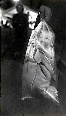 Robert Frank: Doll, 1949 Fotografische Sammlung, Museum Folkwang, Essen (c) Robert Frank