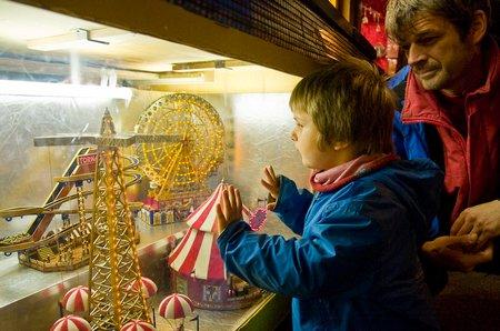 Das Staunen der Kinder: Der Mini-Jahrmarkt am Jahrmarkt. Alle Bilder 2008 © P. Sennhauser