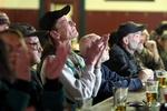 Vietnam-Veteran Keith Hart Applaudiert in der Oxford-Bar in Missoula, Montana, der Vereidigung von Präsident Barack Obama. (Keystone / AP / Michael Albans)