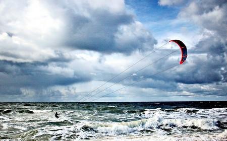 Der Kitesurfer, dramatisiert.