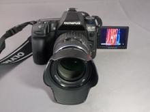 Die Olympus-Kamera E-30 - hier mit dem ZUIKO DIGITAL ED 14-54 mm II (Bild: W.D.Roth)