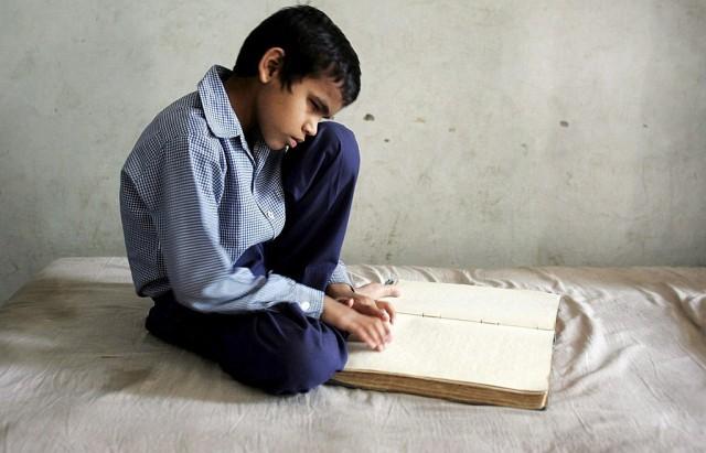 Blinder indischer Schüler (keystone)