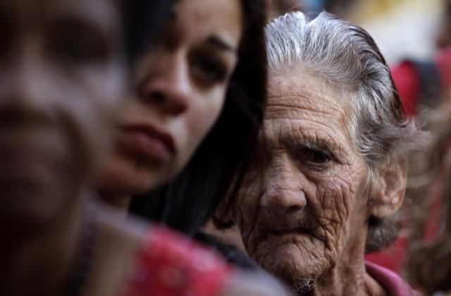 Gläubige auf Kuba (keystone)