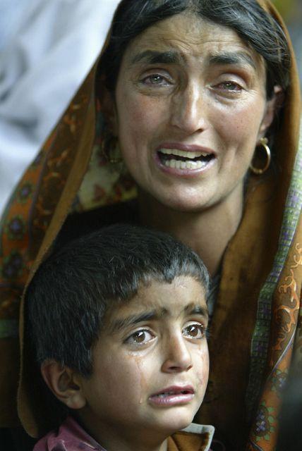 Angehörige eines Militanten Kashmiri (Keystone)