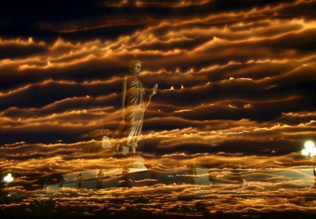 Buddhisten Kerzenumzug (keystone)