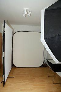 ...im Studio ist der Stockphotograph selten. (© Robert Kneschke)