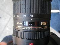 Das Nikkor AF-S DX 18-200mm ist ein rein für Digitale SLR geeignetes 'DX'-Objektiv. (ps)