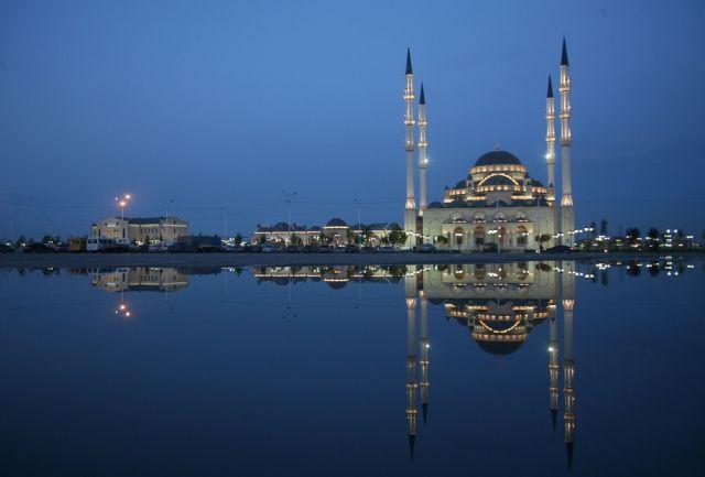 Die Achmad Kadhirow-Moschee in Grosny (keystone)