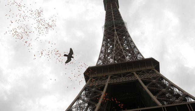 1200 Ballone am Eiffelturm (keystone)