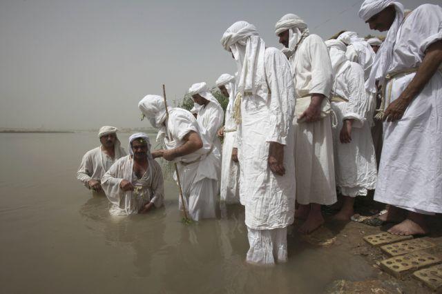 Taufe im Tigris (keystone)