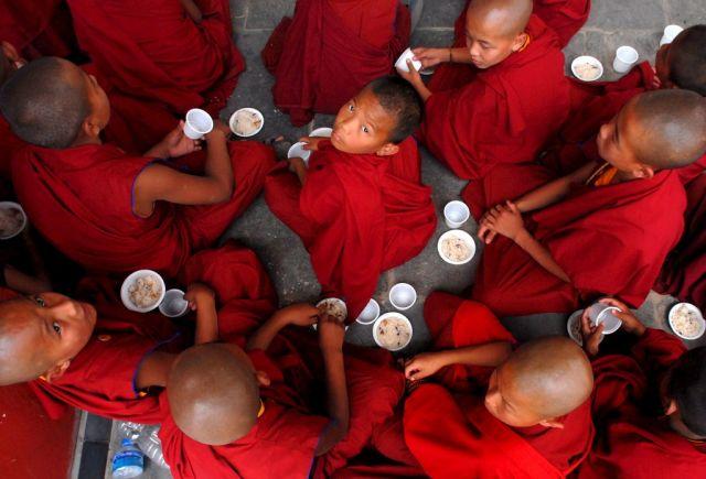 Tibetanische Kindermönche (keystone)
