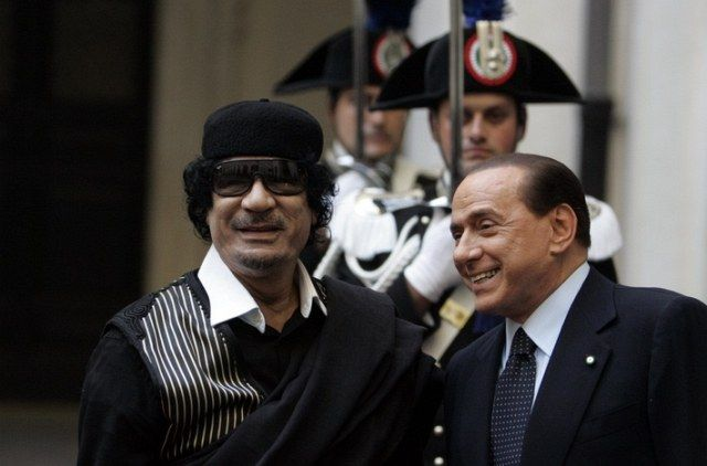 Gaddhafi und Berlusconi (keystone)