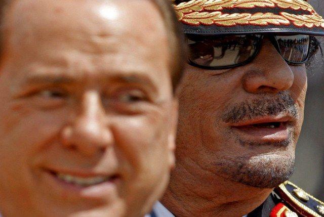 Berlusconi und Ghaddafi (keystone)