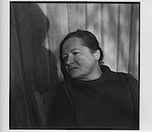 Auf der Veranda, um 1978, (Alice Schmidt / Foto von Arno Schmidt); © Arno Schmidt Stiftung Bargfeld