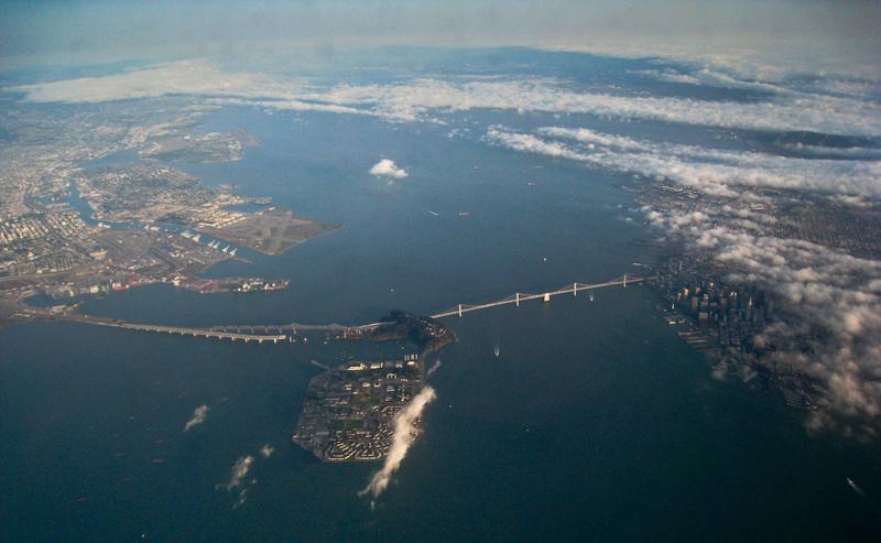 Abflug aus San Francisco: Treasure Island inmitten der Bucht. (©PS)
