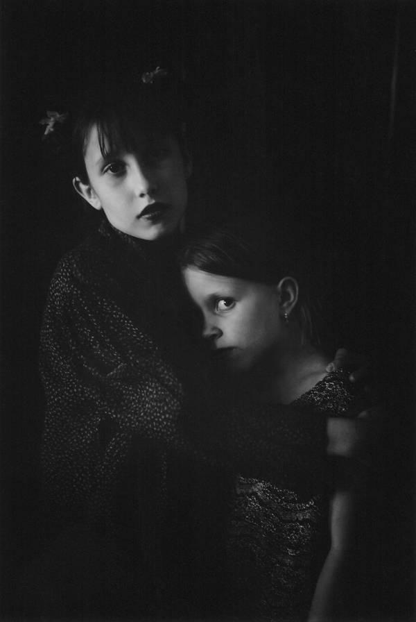 Mädchen bei Verkleidungsspiel: Ein Bild wie ein Gemälde