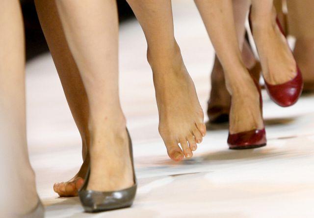 Modelle mit und ohne Schuhe (keystone)
