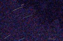 Sternspuren - Pixelweise Vergrösserung, Aufnahme ohne Rauschunterdrückung in der Kamera.