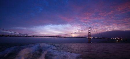 Golden Gate Brücke am (sehr) frühen Morgen bei der Ausfahrt aus der Bucht. (©PS)