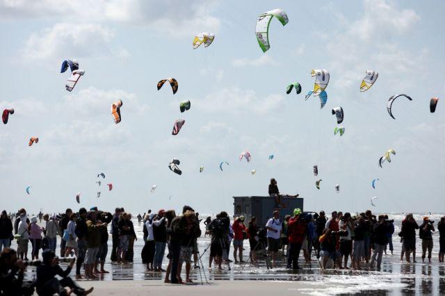 Kitesurfer (keystone)