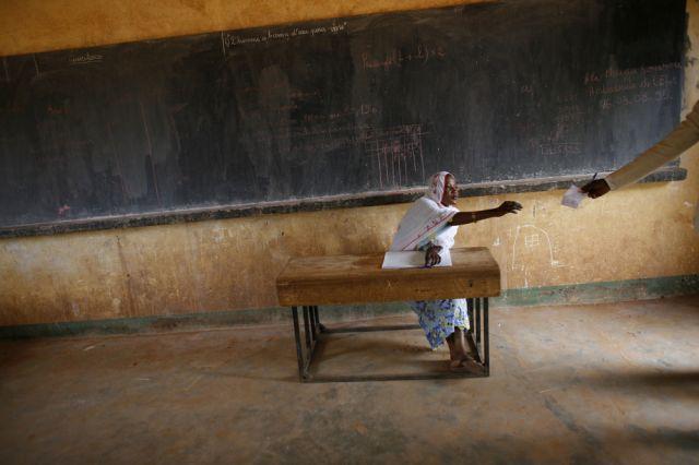 Abstimmung im Niger (keystone)