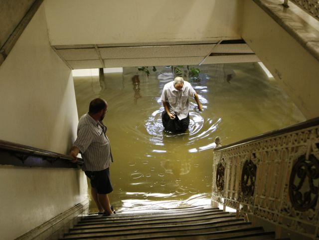 Bibliothek unter Wasser (keystone)