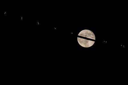 Korrekte Belichtung auf den Mond zeigt, dass die Dämmerung vorbei ist...