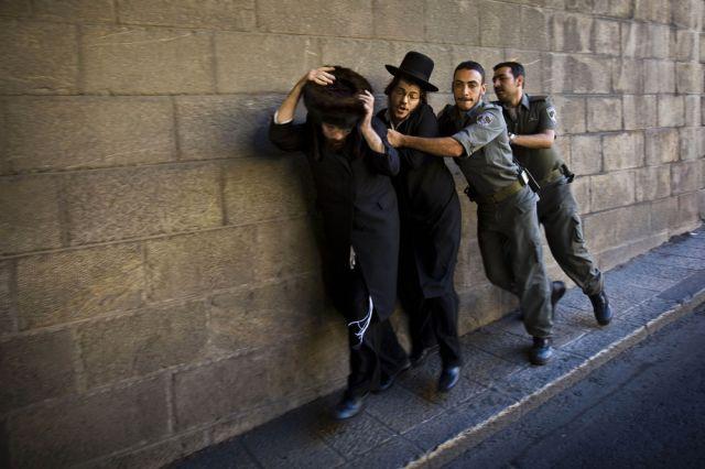Israelische Polizisten, orthodoxe Juden (keystone)