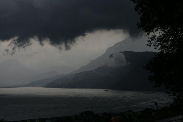 Regenwolken bei beckenried (keystone)