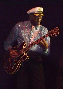 Chuck Berry, allein.