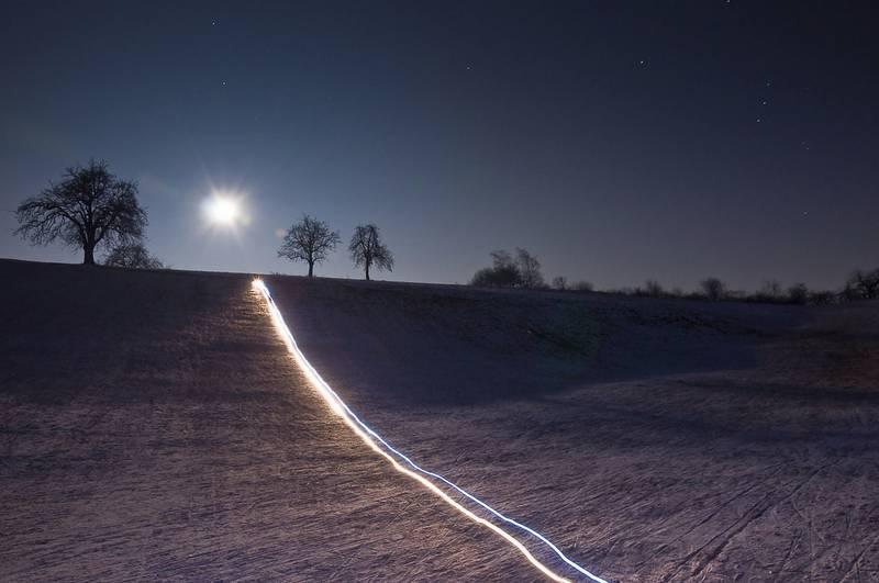 Winter-Lichtspurfoto: Experimente mit Kunstlicht