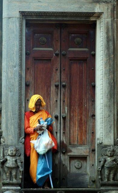 Buddhistische Nonne (keystone)