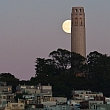 Noch mehr Mondfotografie: Hoch oben am Himmel...