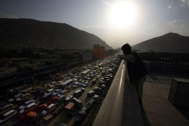 Verkehrstau in Kabul (keystone)