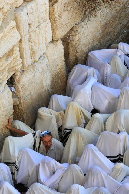 Ultra-Orthodoxe Juden beim Gebet (keystone)