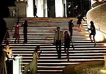 Ralf Tooten: Treppe zum Restaurant the Dome, Bangkok Noir