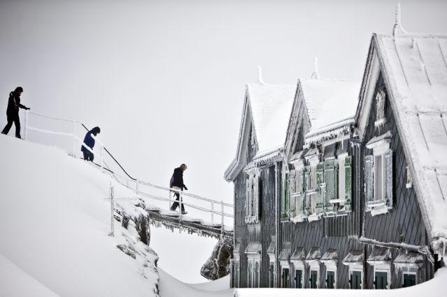 Besucher des Säntis in der Schweiz, 2500 Meter über Meer. (keystone)